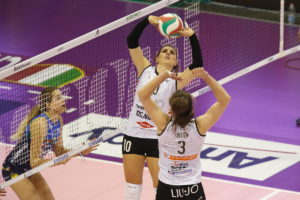 Volley A1 femminile, la Liu Jo ko al tie break a Treviso