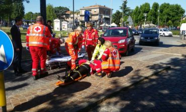 Investita da un'auto in via Adua: grave una donna. VIDEO