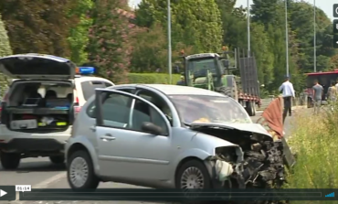 Frontale tra due auto a Bagnolo: due donne in ospedale. VIDEO