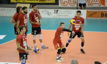 Volley A2, Conad Tricolore sconfitta all'esordio. Vince l'Aversa. FOTO